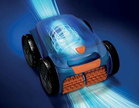 Roboss 4X, à aspiration cyclonique pour le nettoyage de votre piscine. Robot disponible dans votre magasin Aquilus.