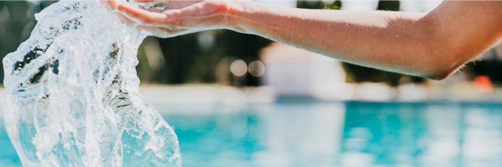 Analyser l'eau de votre piscine st important pour une eau saine et équilibrée.