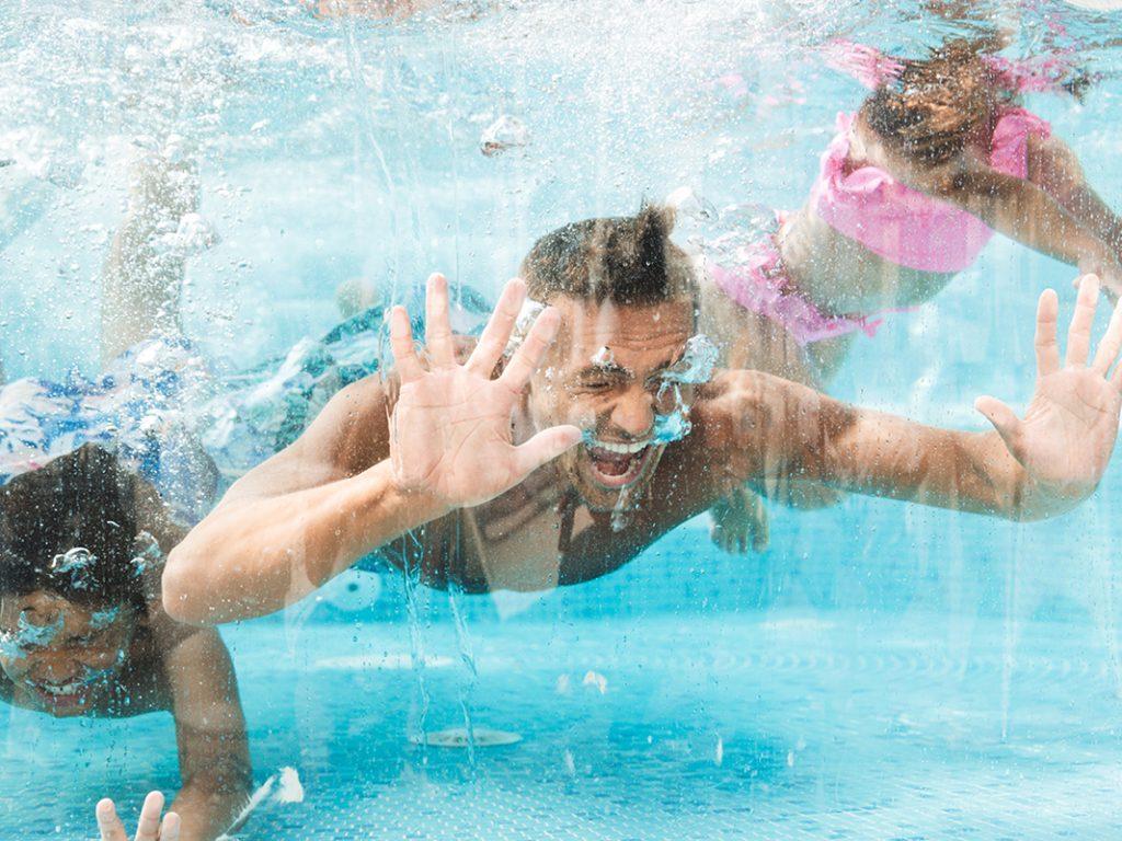 2021, l'occasion de passer de beaux moments entre amis et en famille dans votre piscine Aquilus